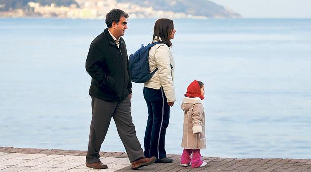 Anne-baba, çocuklara ortak bir dil kullanmalı
