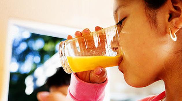 Meyve suyu çocuklarda boy kısalığı sebebi mi?