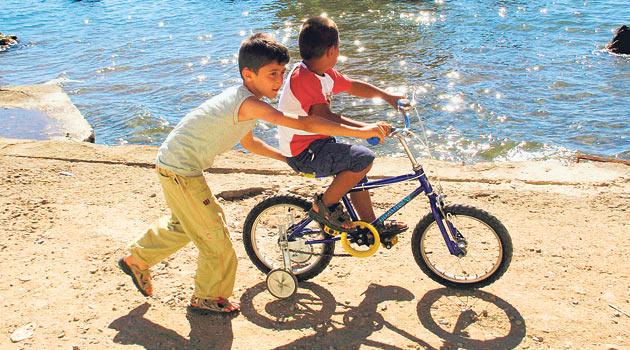 Bisiklete binmek, çocukların birçok yeteneğini geliştiriyor