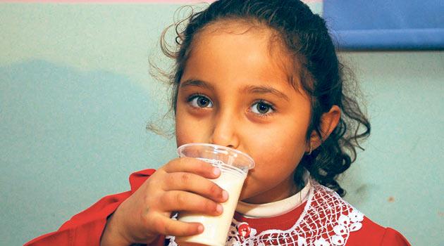 Çocuğumu süt içmeye nasıl alıştırabilirim?