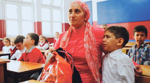 Okuldan korkan çocuğa nasıl yaklaşmalı?