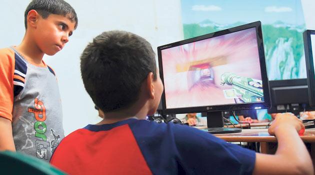 Çocukları bilgisayar başına göndermek sorunu çözmüyor