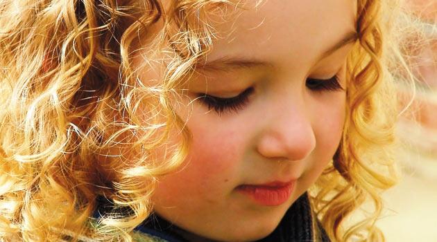 Kekeleyen çocuğa nasıl yaklaşılmalı?