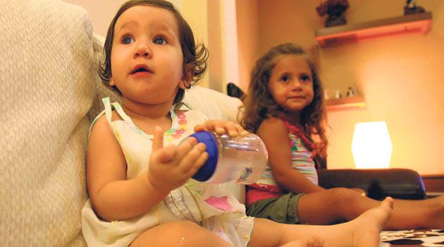 Kız çocukları daha erken konuşuyor