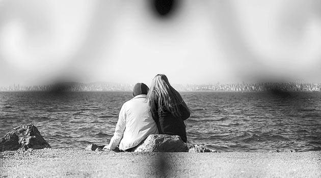 Güveni yeniden kazanmak eşlere mutluluk getiriyor